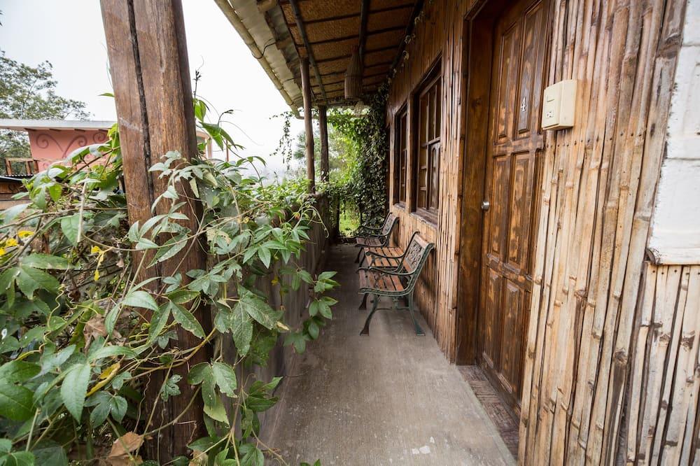 Design Cabin, Multiple Beds, Non Smoking - Balcony