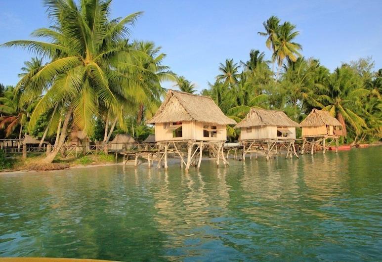 Terau Beach Bungalow, Abaiang, Hotel Front