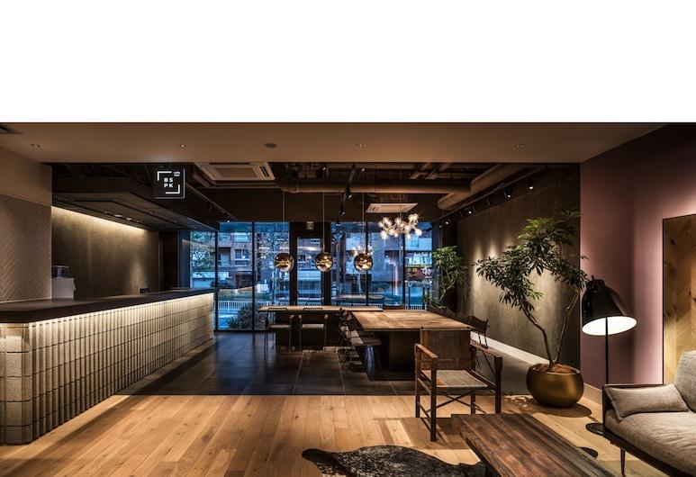 BESPOKE HOTEL Shinjuku, 東京, フロント