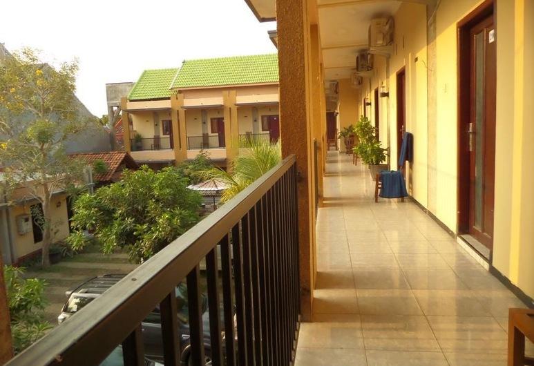 Surya Guest House, Probolinggo, Terrace/Patio