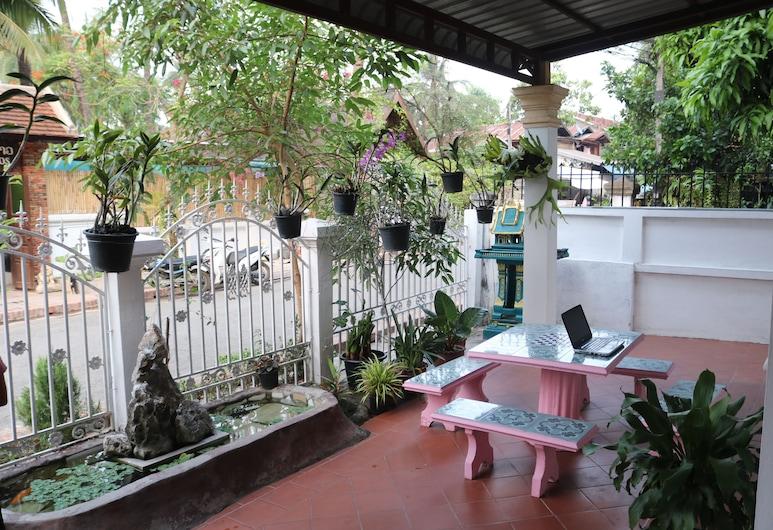 Singharat Place Hotel, Luang Prabang, Standard Double Room, Terrace/Patio