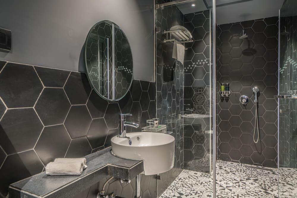 Apartemen, 1 Tempat Tidur Queen, non-smoking, pemandangan taman - Kamar mandi