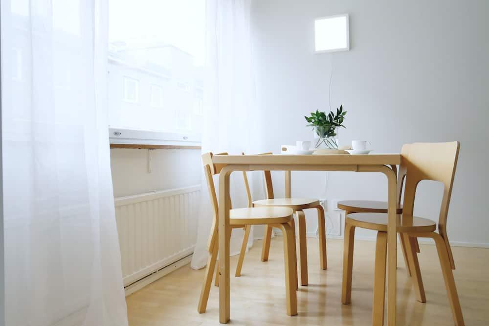 Roost Vuorimies - Stravovanie v izbe