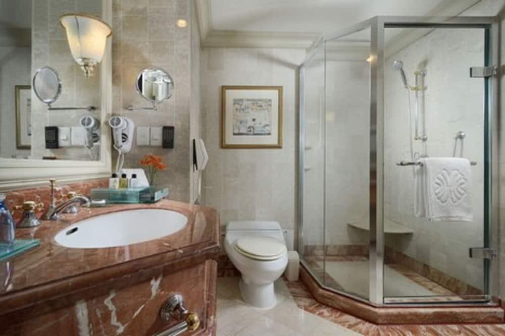 Štandardná dvojlôžková izba, nefajčiarska izba, výhľad na mesto - Kúpeľňa