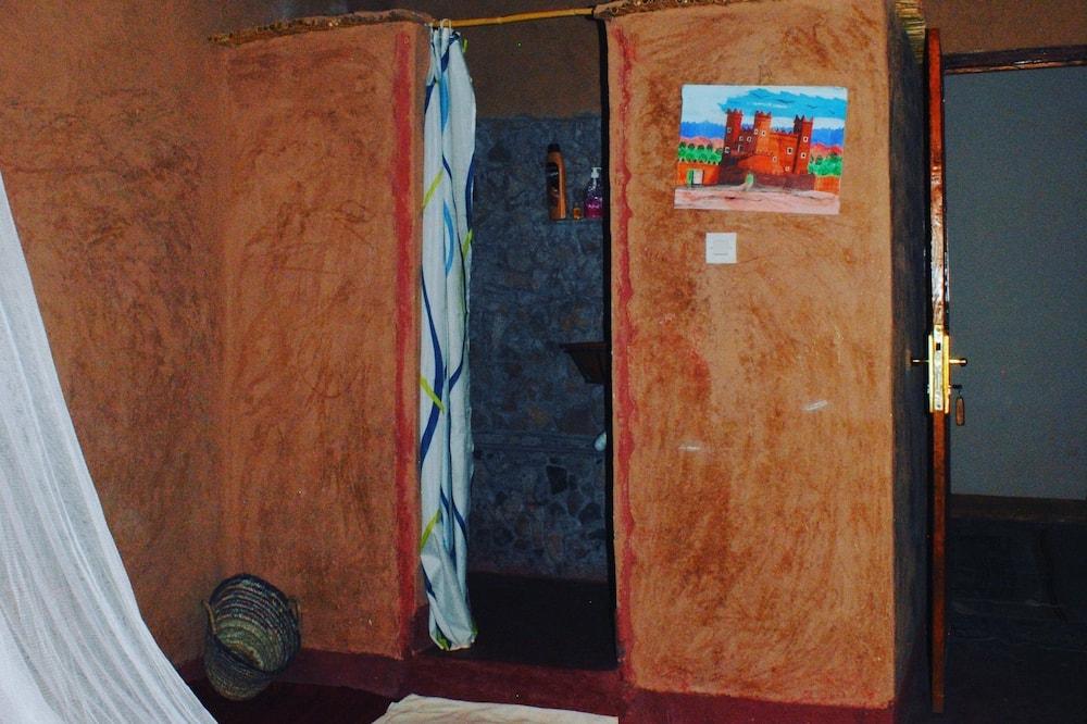 غرفة مريحة مزدوجة أو بسريرين منفصلين - لغير المدخنين - حمّام