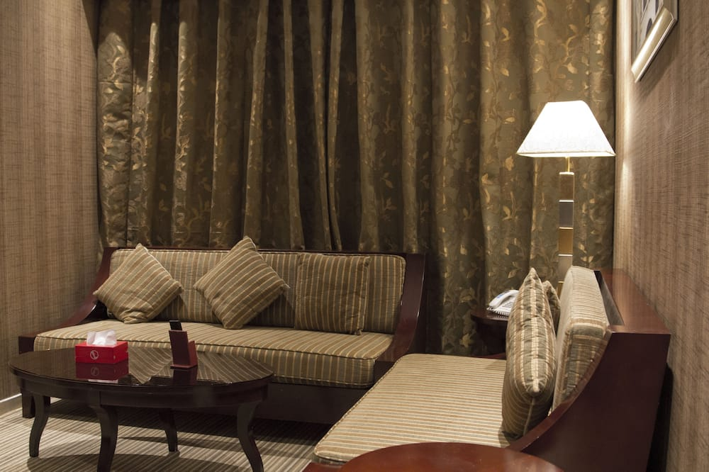 Executive suite - Dnevna soba