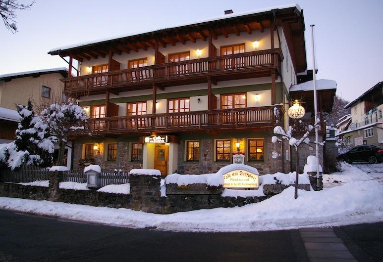 Pension Zur Alten Schmiede, Zwiesel, Fachada del hotel de noche