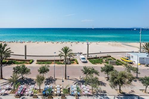超級海灘別墅飯店/