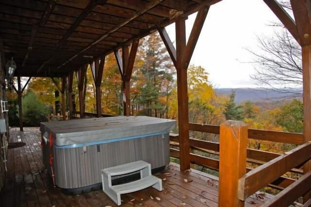 Family Loft, 3 Bedrooms, Fireplace, Mountain View - Outdoor Spa Tub