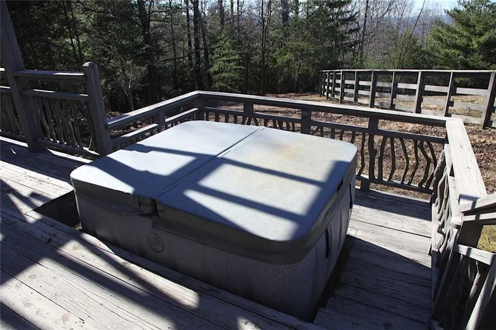 House, 1 Bedroom, Fireplace (Pet Friendly) - Outdoor Spa Tub