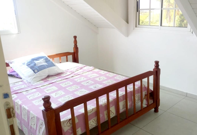 Apartment With one Bedroom in Capesterre-de-marie-galante, With Furnished Garden and Wifi - 4 km From the Beach, קפסטר דה מארי גאלאנט, חדר