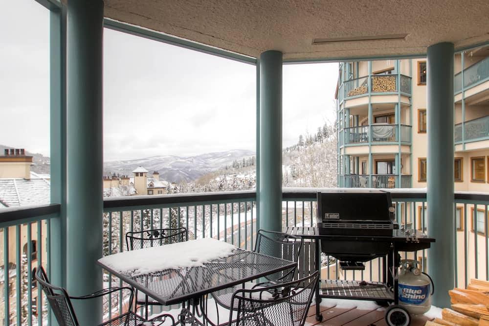Studio, 1 King Bed (Centennial Studio Condo Unit no. 13a) - Balcony