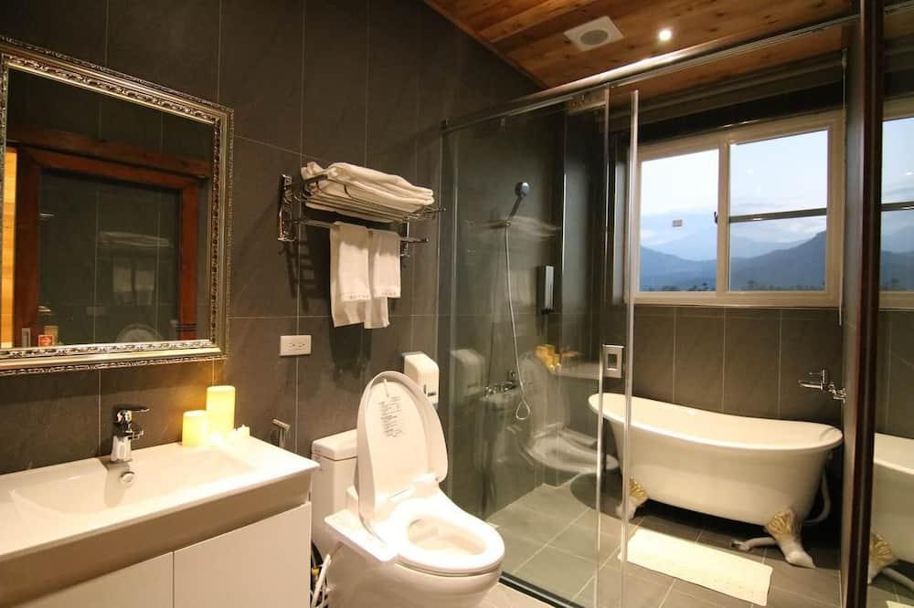 Сімейний чотиримісний номер, 2 ліжка «квін-сайз», для некурців - Ванна кімната