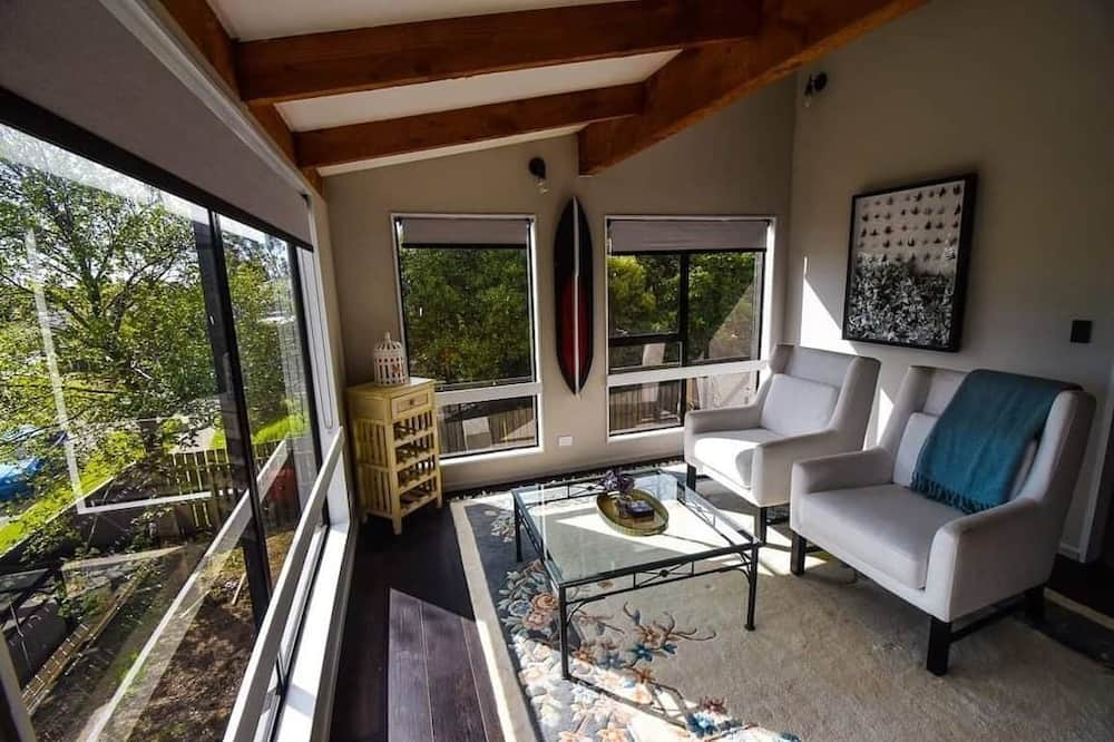 House, Multiple Beds, Non Smoking, Mountain View - Living Area