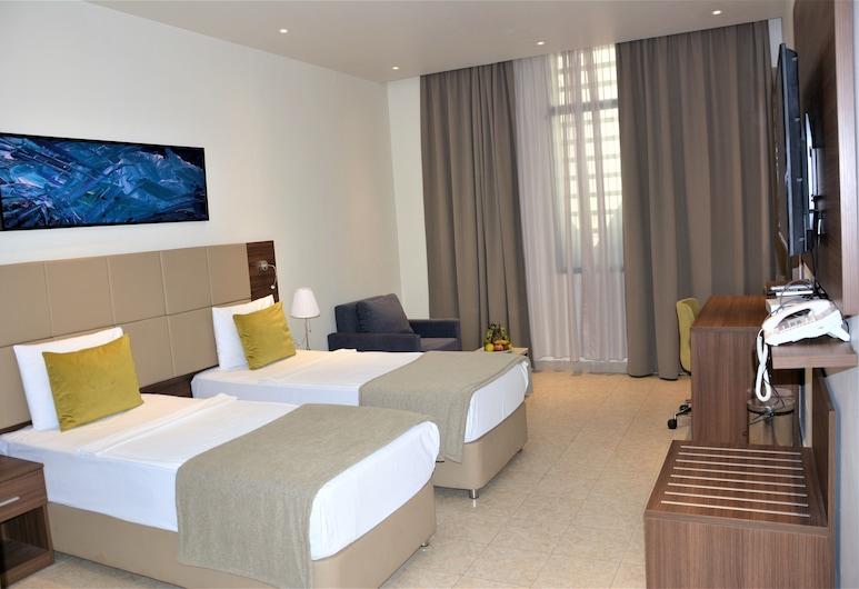 Capital Hotel Djibouti, Djibouti, Kambarys (1 dvigulė / 2 viengulės lovos), Vaizdas iš svečių kambario