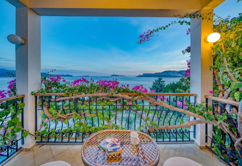 Villa Lycia, Kas, וילה, 4 חדרי שינה, נוף לים, מרפסת