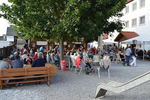 Zur-Laend/