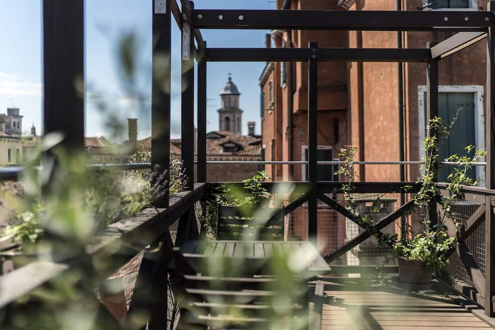 Huoneisto, Terassi - Terassi/patio