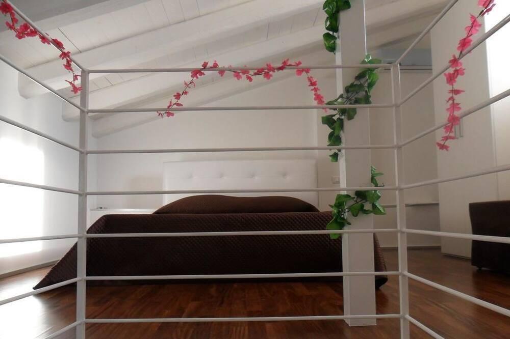 חדר זוגי, מרפסת - חדר אורחים
