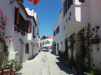 Picture of Mavi Ege Butik Otel in Seferihisar