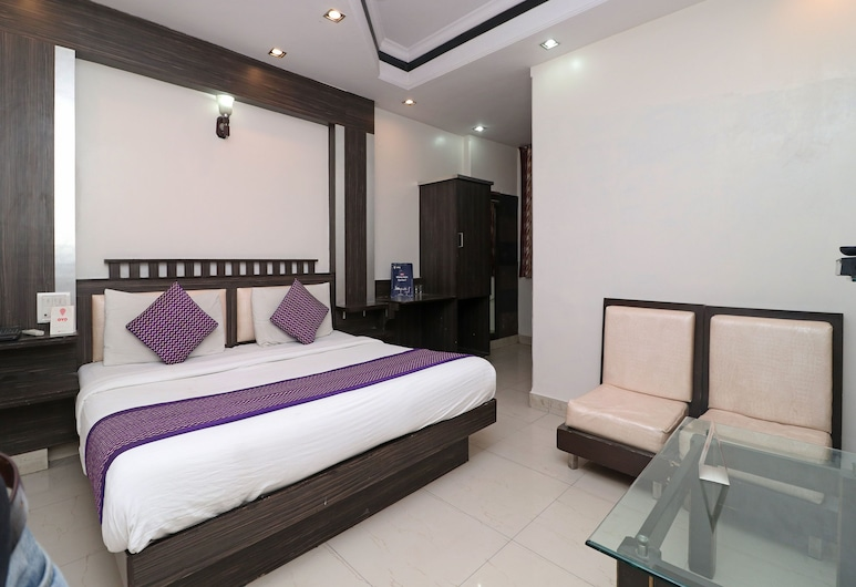 OYO 14705 Hotel India Palace, New Delhi, Double or Twin Room, Guest Room