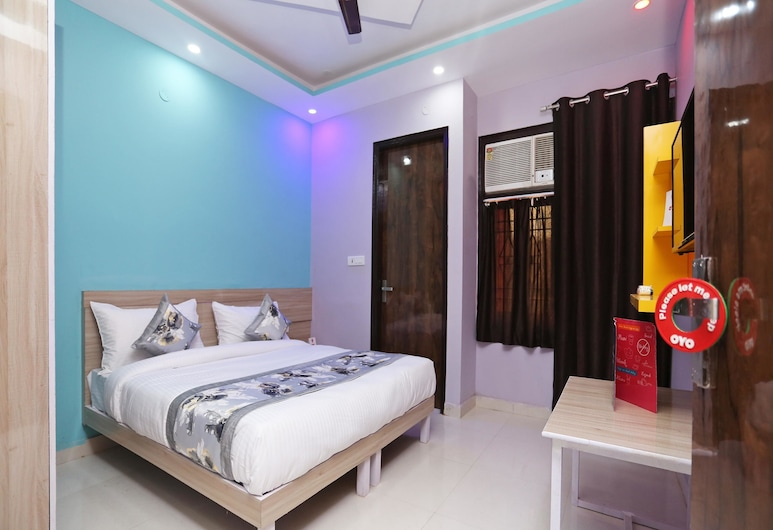 OYO 14822 Hotel The Capitol, New Delhi