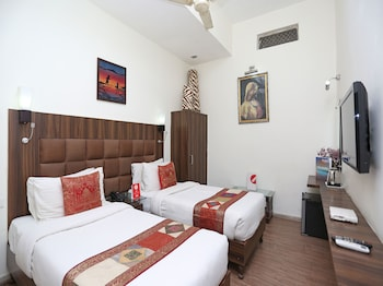 Enter your dates to get the best Agra hotel deal
