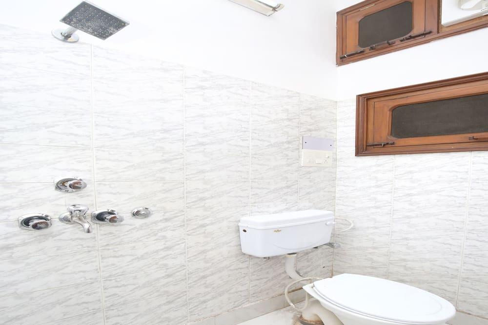 Deluxe-Doppel- oder -Zweibettzimmer, 1King-Bett - Badezimmer