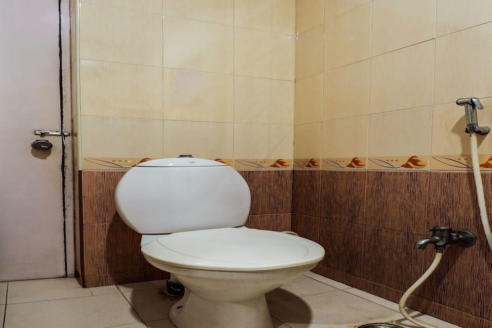 Izba typu Deluxe s dvojlôžkom alebo oddelenými lôžkami, 1 extra veľké dvojlôžko - Kúpeľňa
