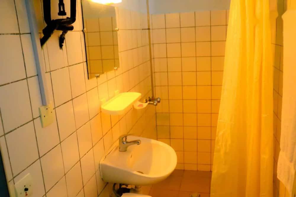 Süit, 1 Büyük (Queen) Boy Yatak, Sigara İçilmez - Banyo