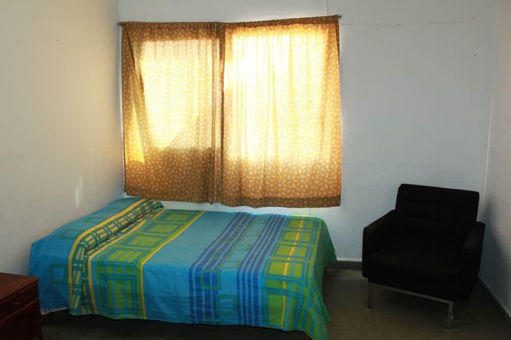 غرفة عائلية - غرفة نوم واحدة - بحمام داخل الغرفة - منظر للمدينة - غرفة نزلاء