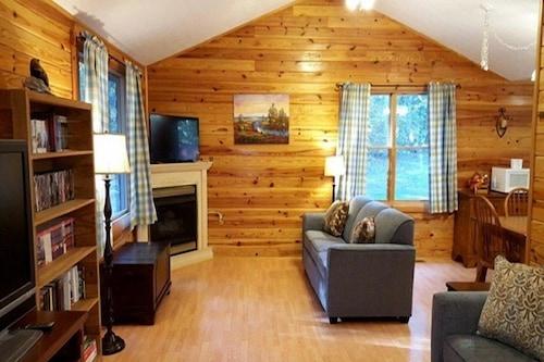 A_cozy_cabin/