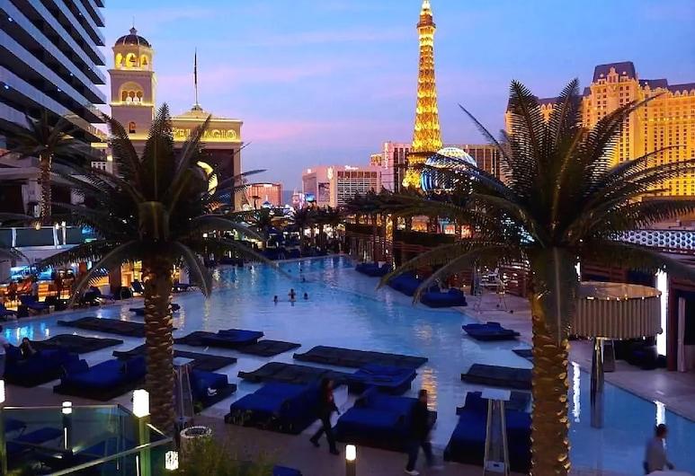 2BD2BA Apartment by Stay Together Suites, Las Vegas, Kültéri medence