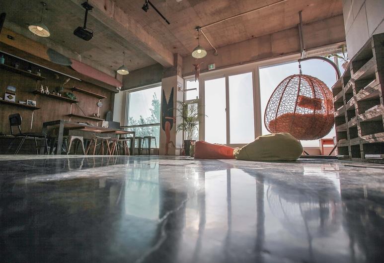 Twentyfifth Hostel, Busan, Lobi