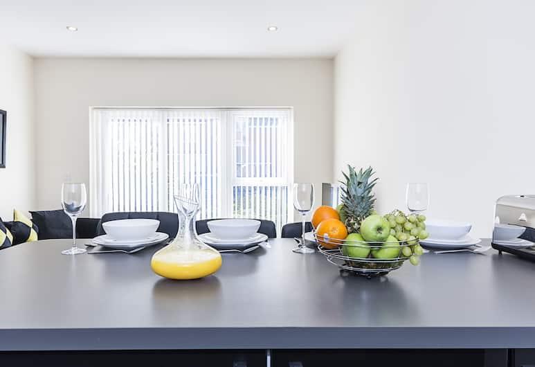 HERON HOUSE APARTMENTS, Reading, Apartmán typu Executive, 2 spálne, 2 kúpeľne, výhľad na záhradu, Izba