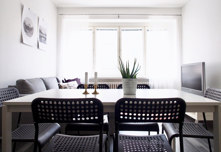 """2ndhomes Tampere """"Koskipuisto"""" Apartment with Sauna, Tampere, Comfort Apartment, 1 Bedroom, City View, Room"""