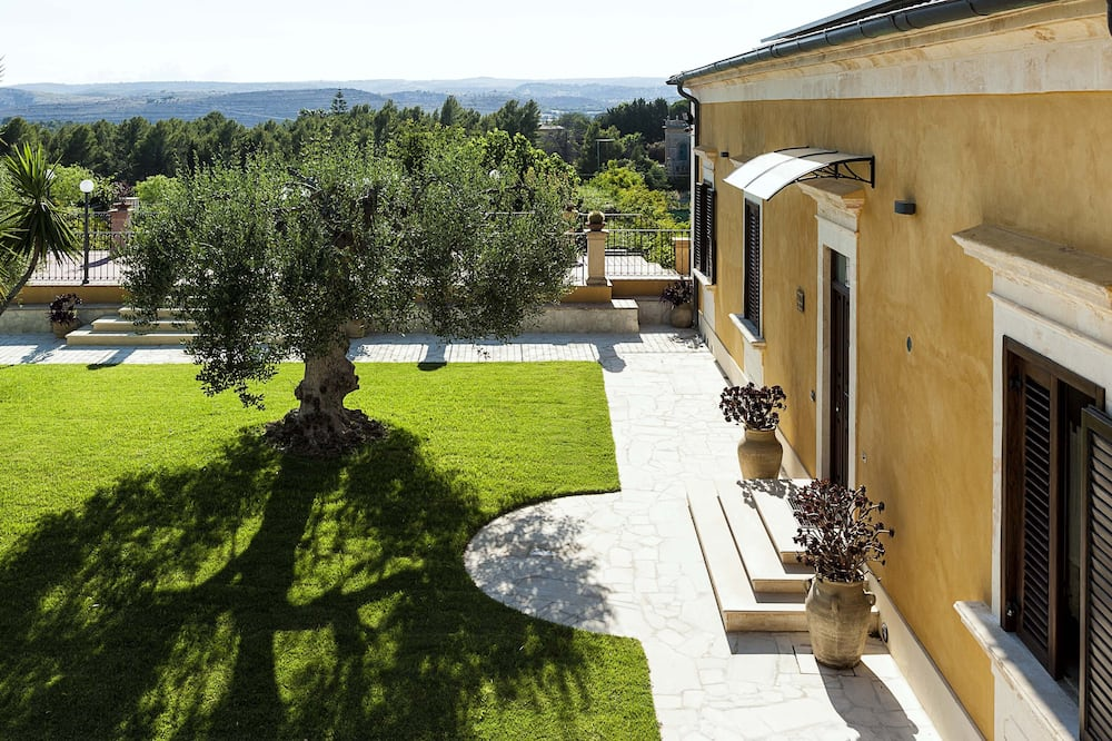 Villa, 4 camere da letto - Vista giardino