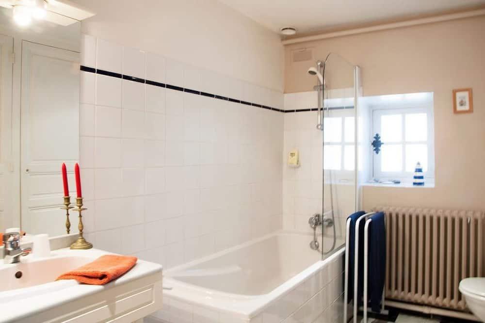 Suite estándar (Louis & Angely) - Cuarto de baño