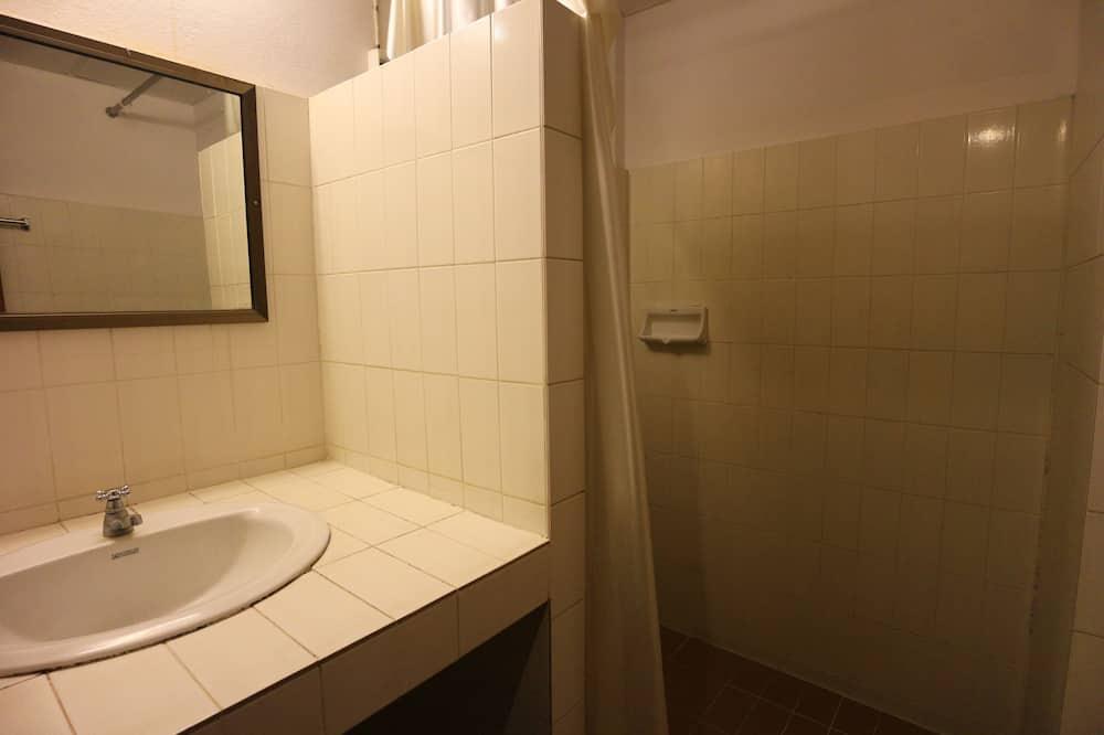 Family Room, Non Smoking - Bilik mandi