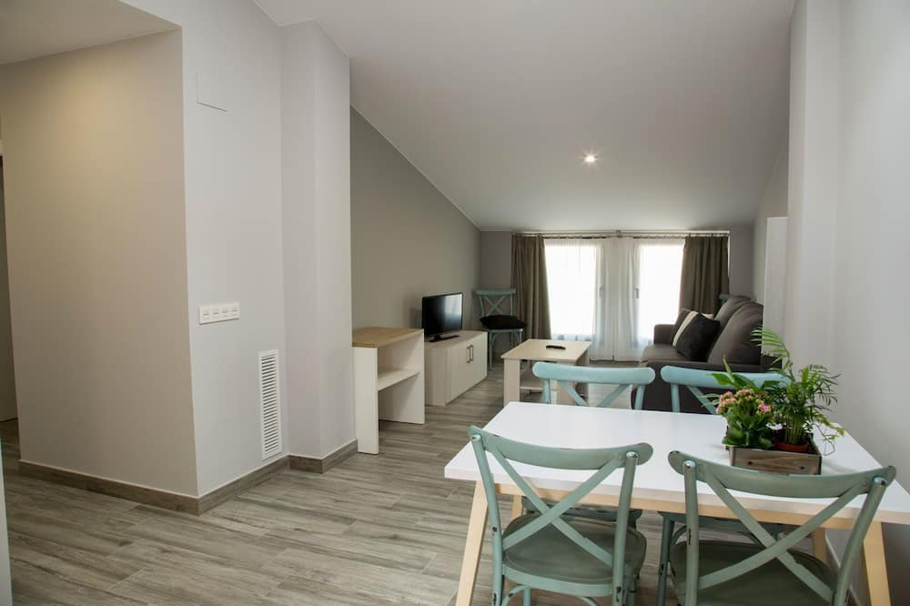 Apartment, 2 Bedrooms, Accessible - Living Area