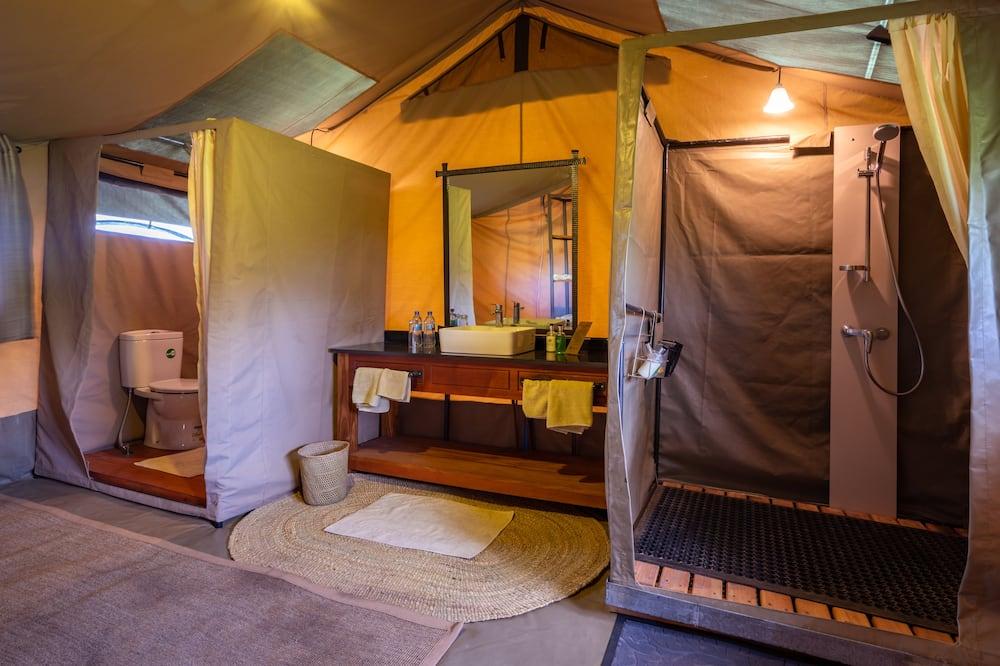 Luxury Family Tent - Bathroom