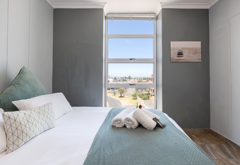 C32 The Sands by CTHA , Cape Town, Family Apartment, 2 Bedrooms, Room