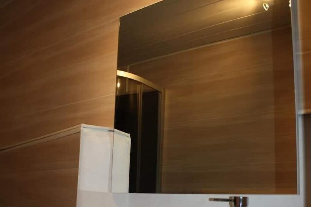 Doppelzimmer (1) - Waschbecken im Bad
