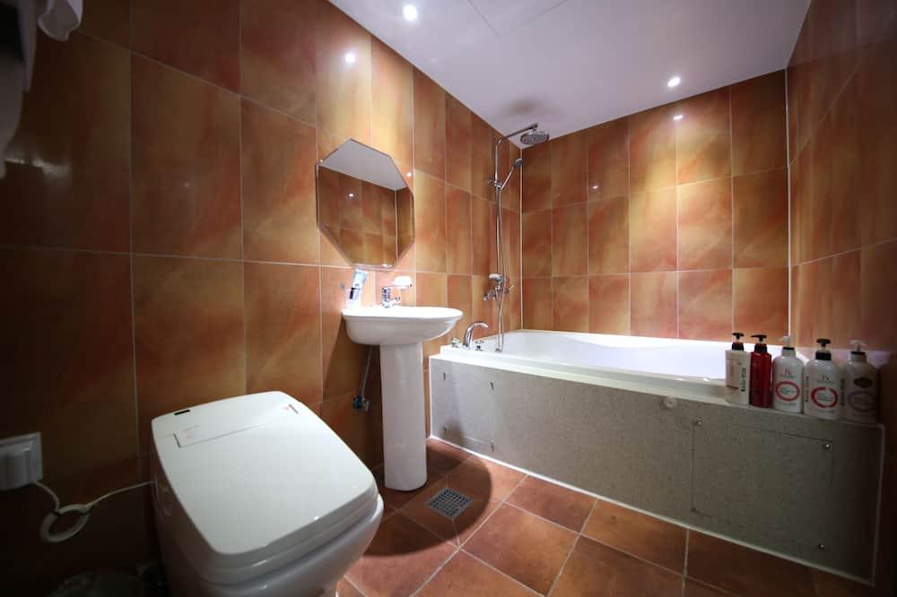 Royal Suite (Breakfast for 2) - Bathroom