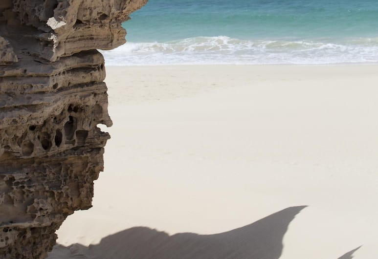 Apartment With one Bedroom in Sal Rei, With Wonderful sea View, Furnished Terrace and Wifi - 300 m From the Beach, Boa Vista, Strand