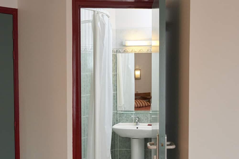 Dvojlôžková izba typu Classic, 1 dvojlôžko, nefajčiarska izba - Kúpeľňa