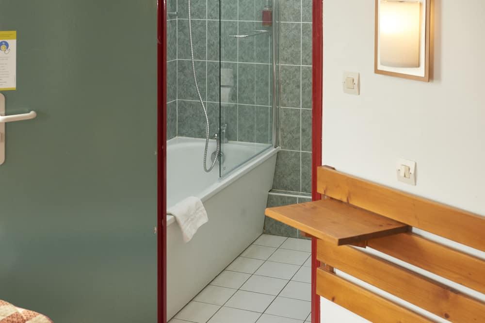 Trojlôžková izba, viacero postelí, nefajčiarska izba - Sprcha v kúpeľni