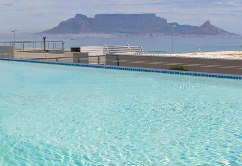 401 Infinity Apartment, Cape Town, Pool