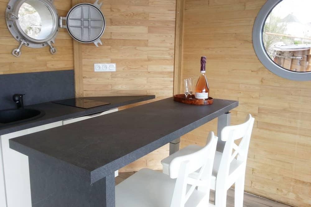 בקתת סופריור (Gloriette de Loire) - אזור אוכל בחדר
