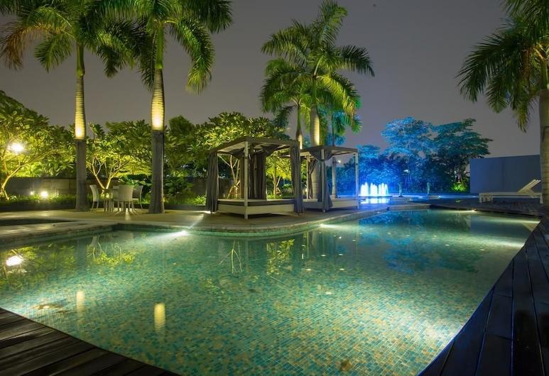 Amena Home at Setiasky, Куала-Лумпур, Открытый бассейн